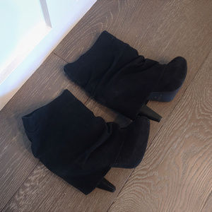 Cute Suede Black Aldo Boots (size 6)